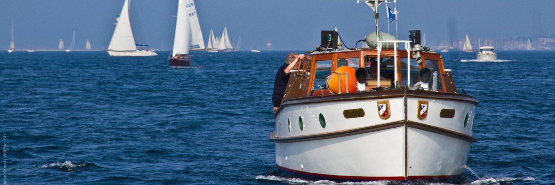 Die Barkasse Kuddel der RK Marine Kiel bei der Kieler Woche auf der Förde