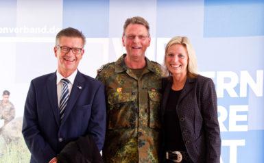 Elke ChristinaRalf Rickel, Udo Wachholz und Elke Christina Roeder 2018 Feldempfang Kieler Woche Roeder und Udo Wachholz
