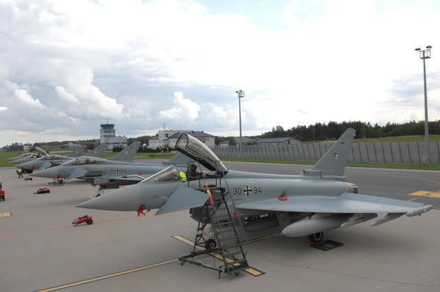 Fünf Eurofighter vom Jagdgeschwader 74 Neuburg