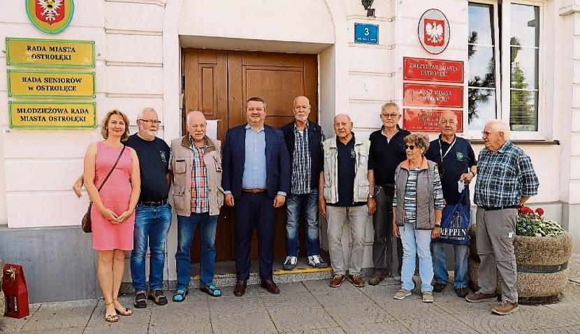 Die Gäste aus Meppen mit Ostrolekas Stadtpräsident Lukasz Kulin in ihrer Mitte. Reservisten Meppen